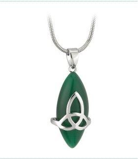 Keltischer Anhänger Trinity Knot mit grünem Stein